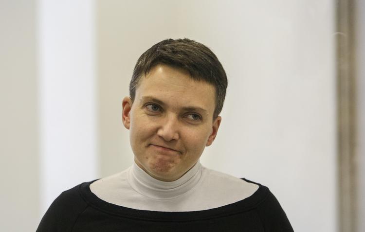 Надежду Савченко, объявившую голодовку, отвезли на обследование