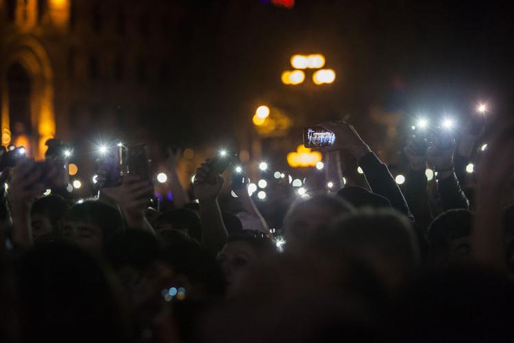 Тысячи сторонников Пашиняна вышли на митинг в Ереване