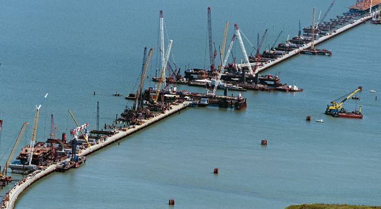 Политолог заявил об опасности подрыва Крымского моста украинскими радикалами