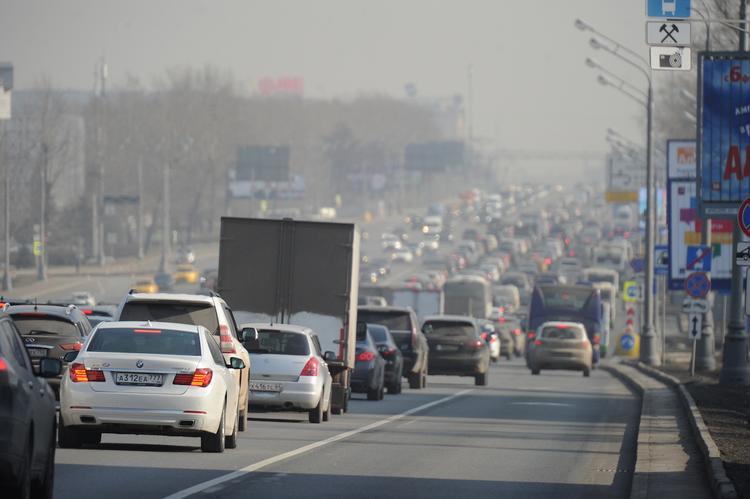 Завтра в Москве запустят новые выделенные полосы