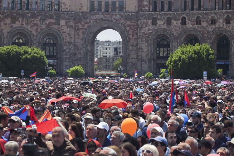 Депутаты бойкотировали заседание парламента Армении