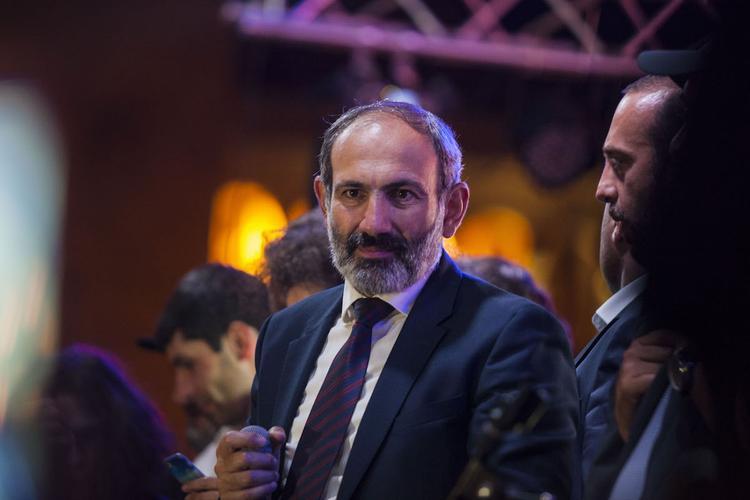 Пашинян попросил своих сторонников открыть доступ к аэропорту Еревана