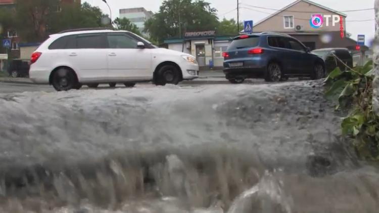 В Приморье бушует мощный циклон