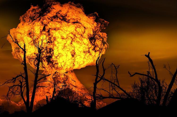 На Украине горит крупнейший склад боеприпасов