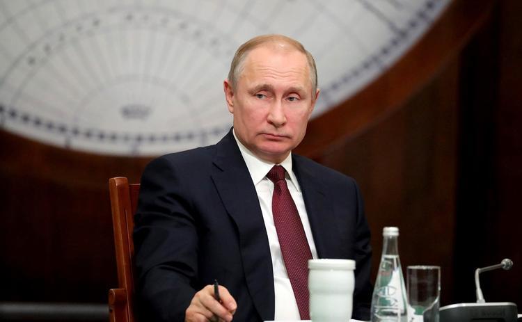 Владимир Путин уволил пятерых генералов и двух прокуроров