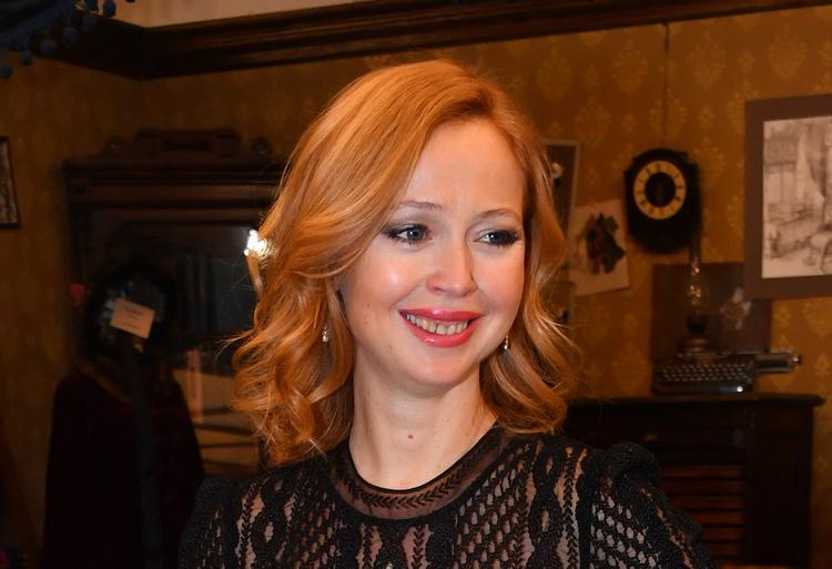 Актриса Елена Захарова поделилась секретом быстрого похудения после родов