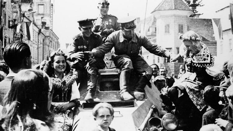 Жительница Холмска Наталья Шкут вспоминает своих воевавших родственников