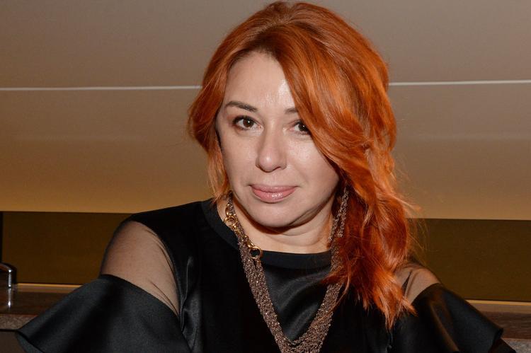 В сети раскритиковали парик  Алены Апиной