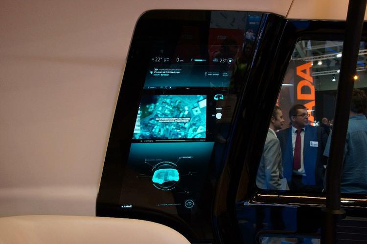 По мнению экспертов системы автопилоовт в машинах необходимо дорабатывать