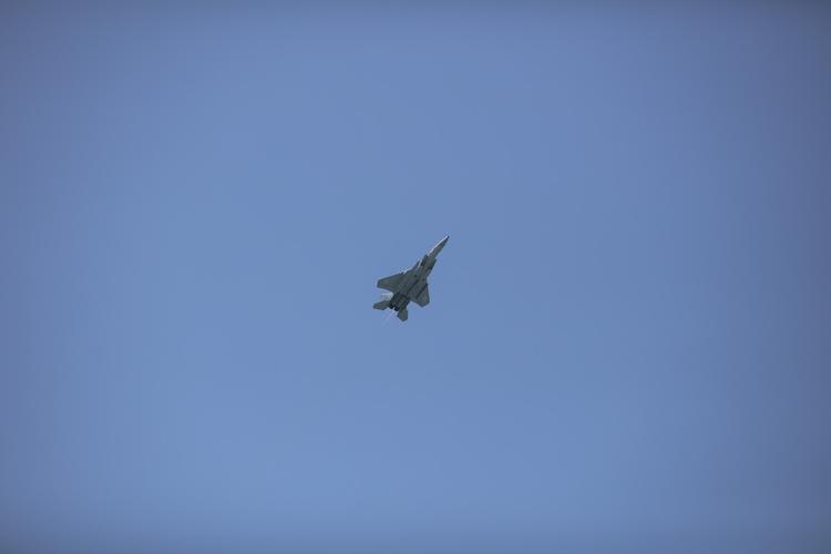 ВВС Израиля атаковали десятки военных объектов в Сирии