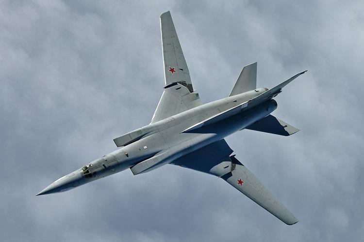 Смоделированы последствия удара российского гиперзвукового оружия по армии США
