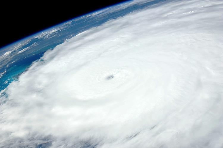 Ученых беспокоит аномальный рост мощности атлантических ураганов