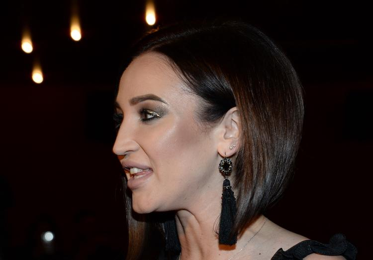 Подписчики Бузовой считают, что она хочет стать похожей на новую жену Тарасова