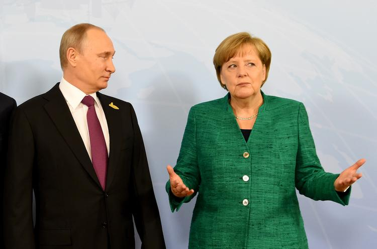 Путин и Меркель поделились мнениями о создании миссии ООН в Донбассе