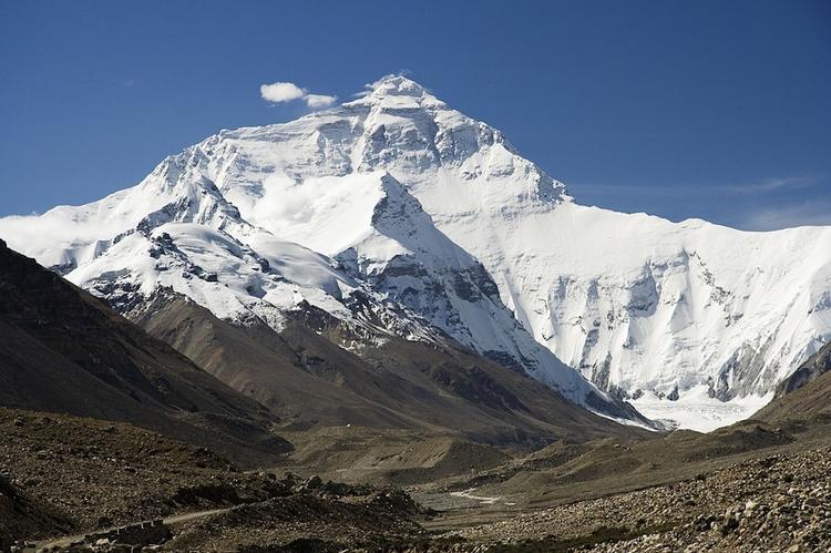 Эверест покорил первый безногий альпинист – пенсионер из Китая