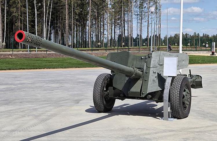 Украина выдала старые советские пушки МТ-12 за новое оружие