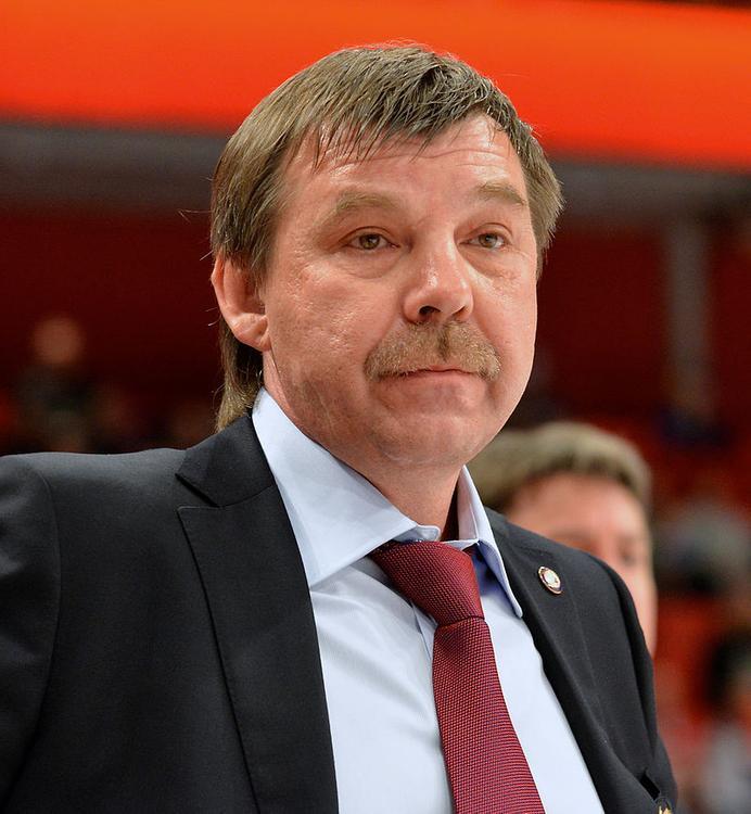 Третьяк: Знарку предложено остаться в сборной России по хоккею