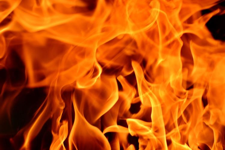 Видео, как на МКАД сгорел пассажирский автобус, попало в сети