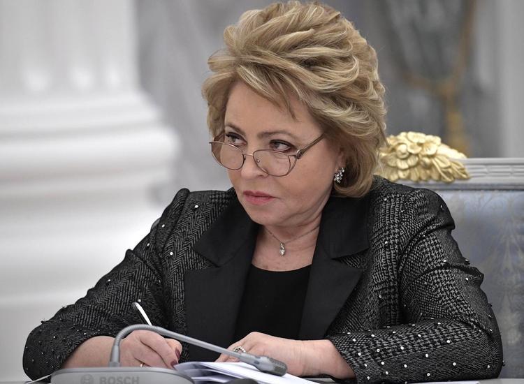 Валентина Матвиенко пытается примирить севастопольские ветви власти