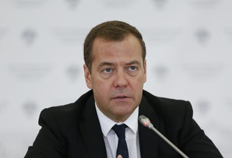 Медведев: власти учитывают интересы россиян при изменении пенсионного возраста
