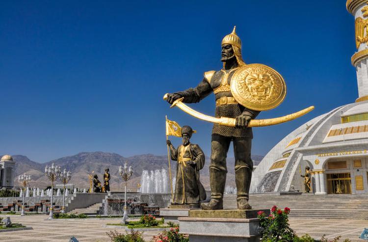 Власти Туркмении запретили выезд из страны большинству населения
