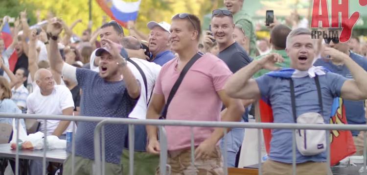 На матче Испания-Россия болельщики съели 300 кг шашлыка и выпили тонну пива