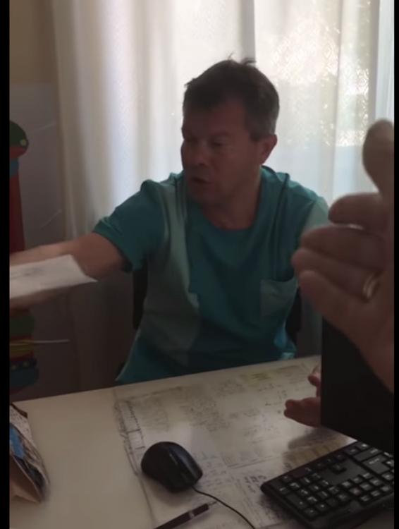 В Феодосии пьяный хирург вел прием в детской поликлинике