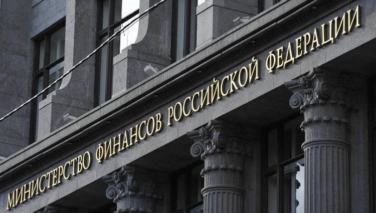 Минфин рекомендовал страховщикам увеличить долю рублевых платежей за рубежом