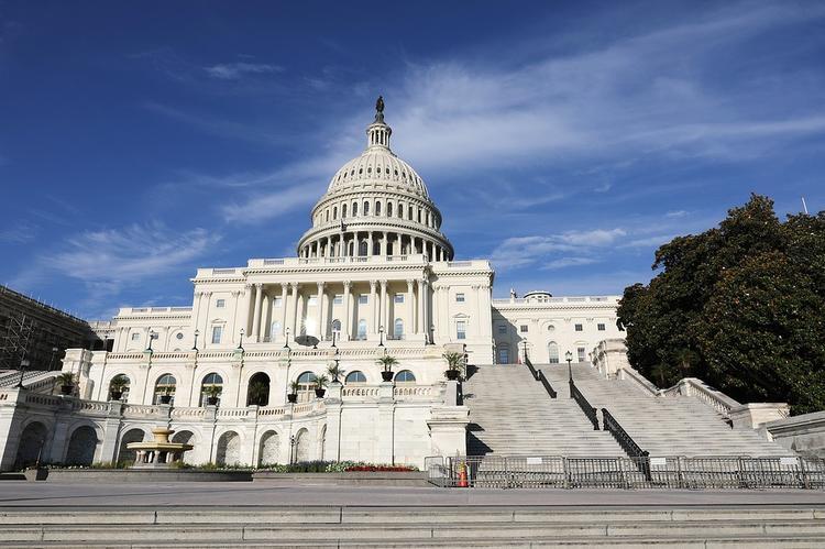 После визита в Россию американский сенатор раскритиковал антироссийские санкции