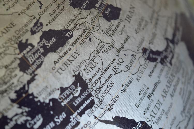 ПВО Сирии подбили израильский военный самолет, атаковавший Хомс