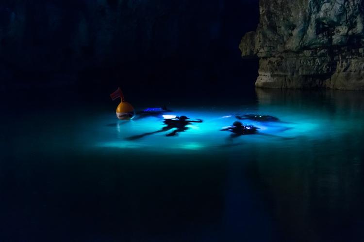В Таиланде из затопленной пещеры спасли восьмого ребенка