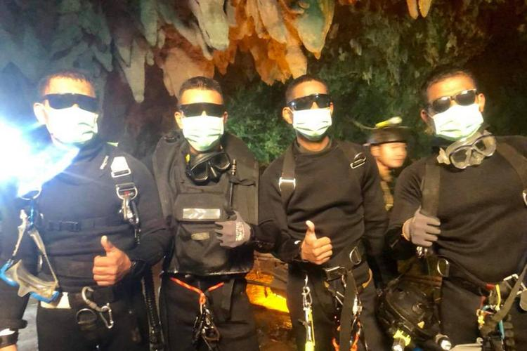 Медики рассказали о состоянии спасенных из пещеры в Таиланде 12 детей