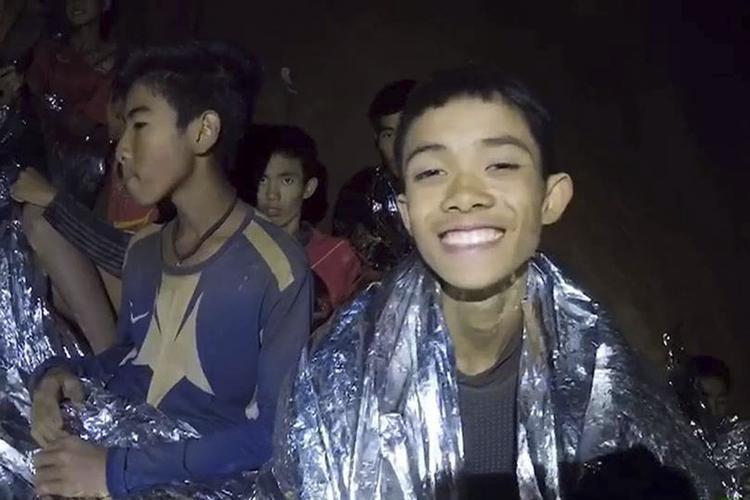"""Дети, спасенные из пещеры в Таиланде, рассказали подробности своего """"заточения"""""""