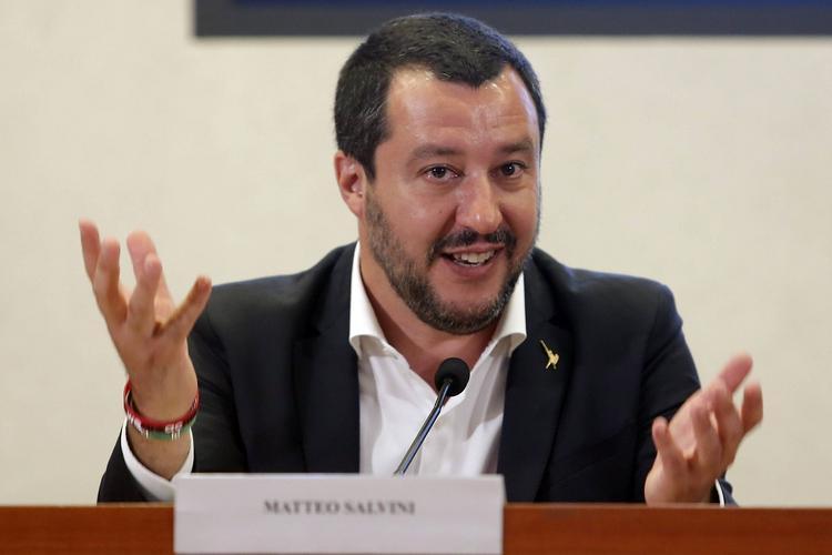 """Глава МВД Италии назвал """"евромайдан"""" оплаченной Западом псевдореволюцией"""