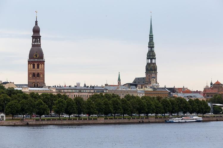 В защиту русских школ Латвия выступила автопробегом