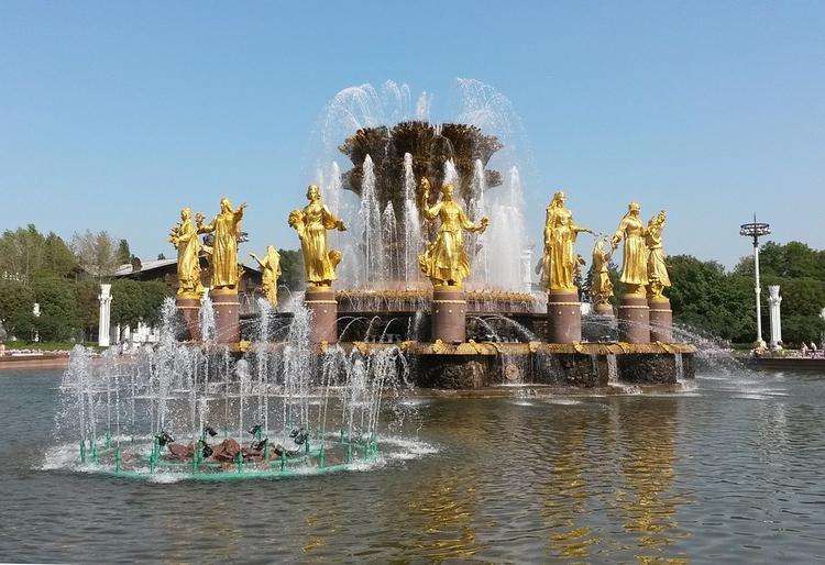 Москвичей сегодня ждет теплая и солнечная погода