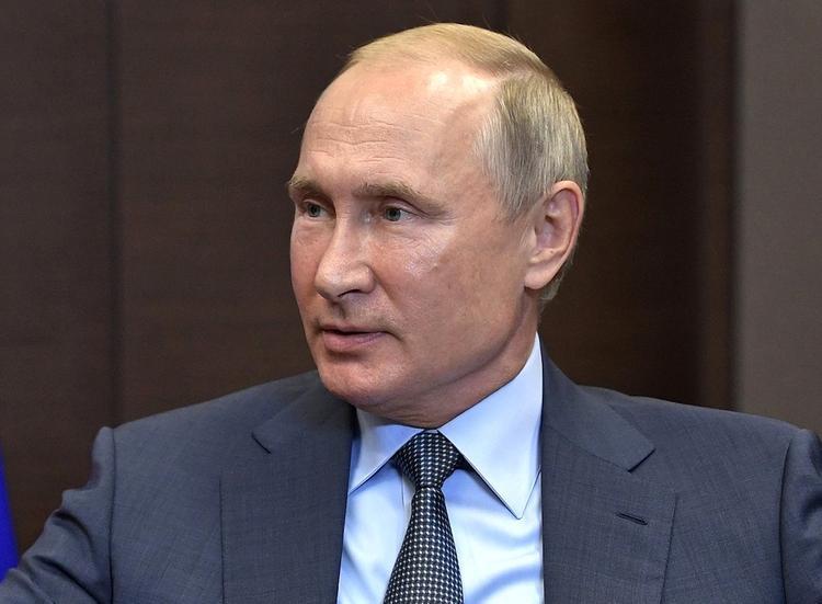 Песков: власти Британии не извинялись за резкие слова в адрес Путина