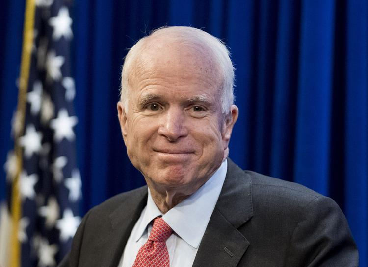 Стало известно, кто займет место Джона Маккейна в сенате