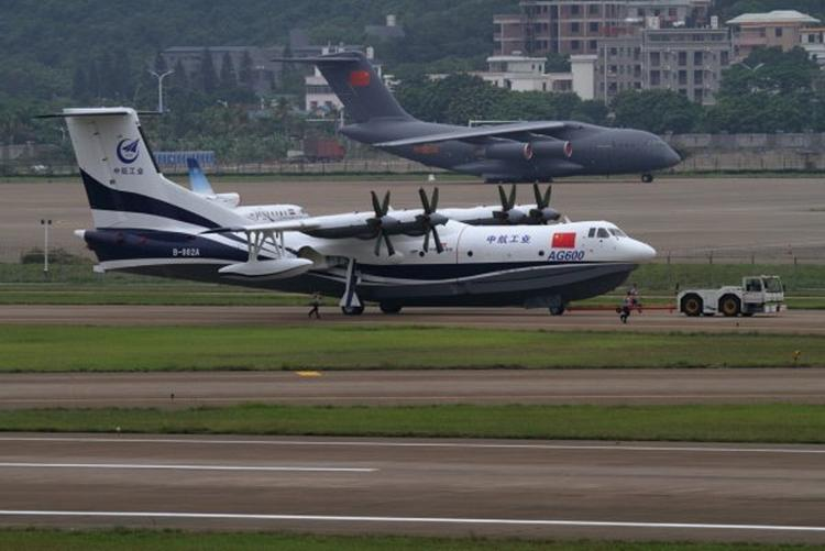 В Китае прошли испытания крупнейшего самолета-амфибии