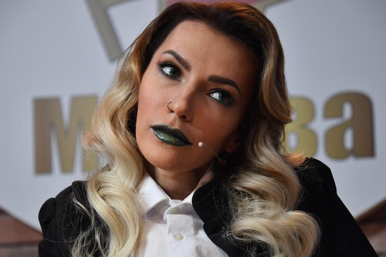 Певица Юлия Самойлова решила эмигрировать из России