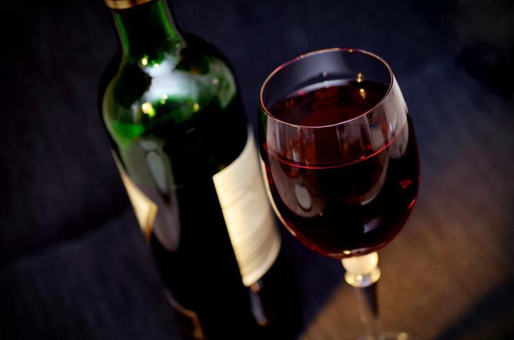 Эксперты: потребление алкоголя на душу населения в России снизилось на 40%