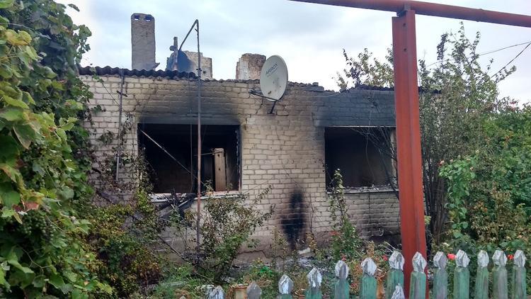 Украинские военные подпалили дом с женщиной
