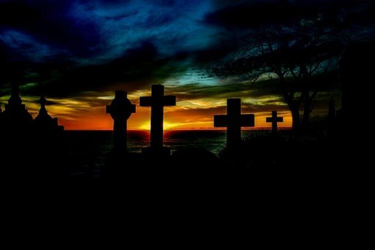 Мужчина из мести выкопал могилу для живой экс-супруги
