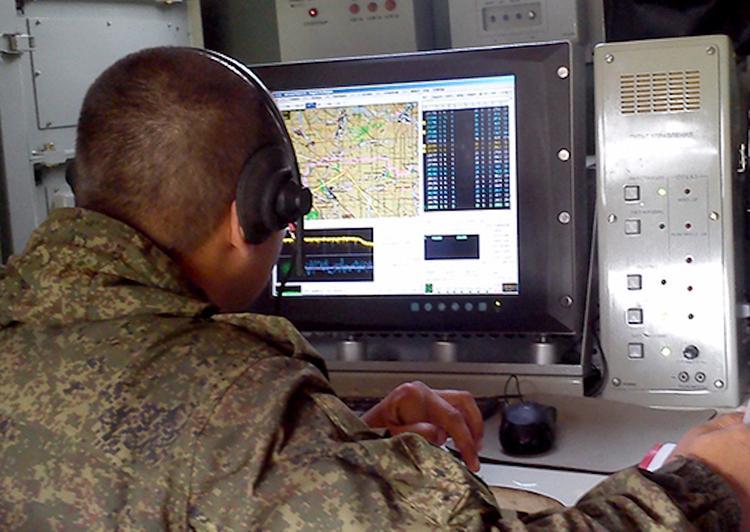 """Российский эксперт знает, как """"бюджетно парализовать"""" систему управления НАТО"""