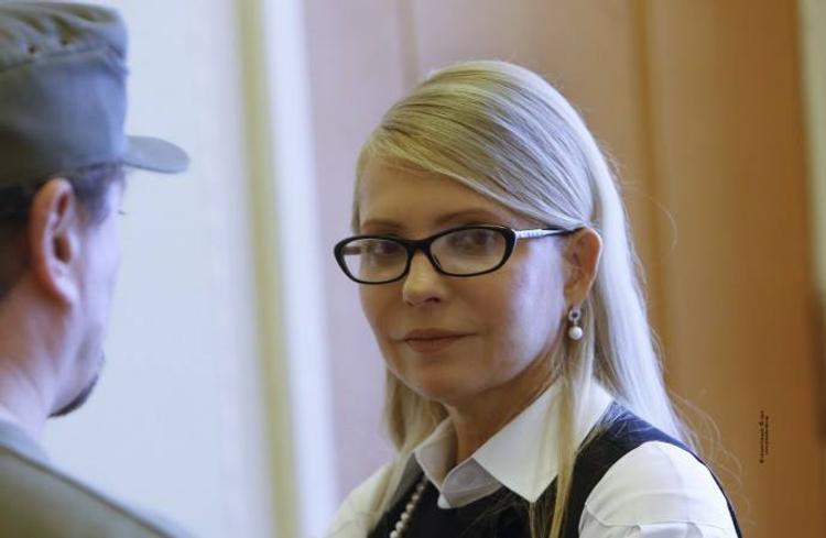 Тимошенко возмутилась, почему фабрики Порошенко не попали в санкционный список
