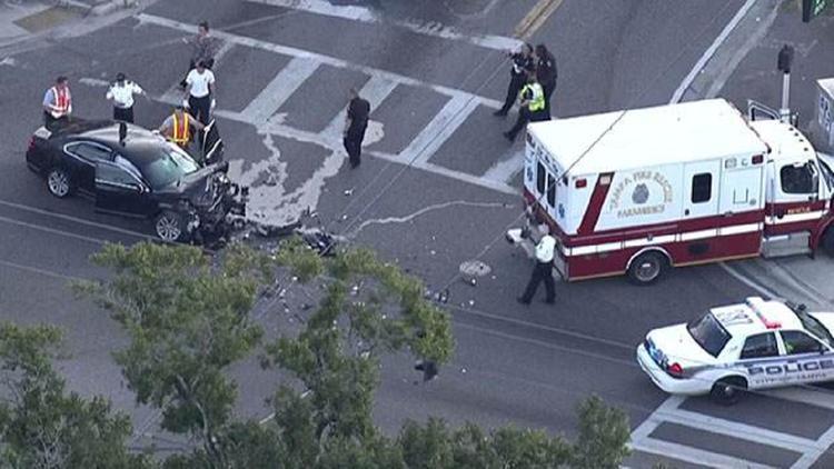 Автомобиль врезался в пешеходов во Флориде, пострадали дети