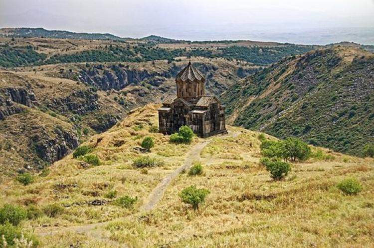 Президент Армении распустил парламент и назначил досрочные выборы