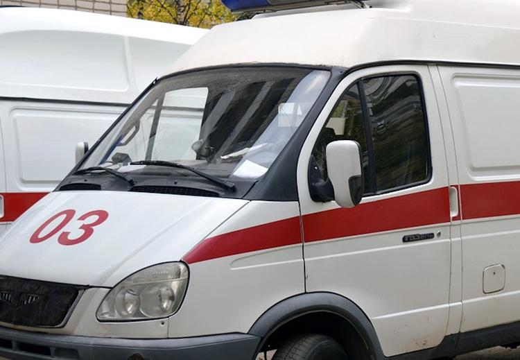 Под Волгоградом пенсионер погиб при падении бруска в ходе ремонта крыши