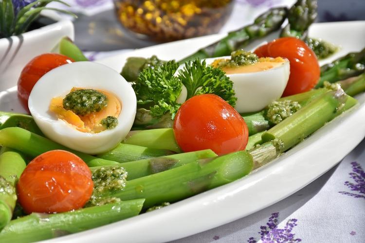 Шеф-повар рассказал депутату, как разнообразить «министерскую диету»