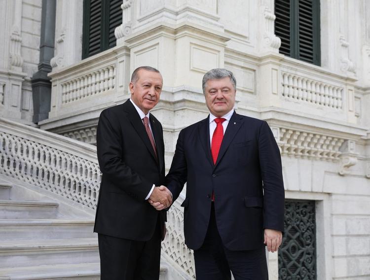 Порошенко надеется, что Турция поможет восстанавливать Донбасс